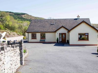 Photo for Large luxury home to sleep 10 just 2 miles from Kenmare town centre