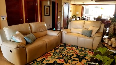 Relax in comfort in the inviting Living room