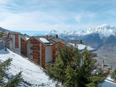 Photo for 1BR Apartment Vacation Rental in Veysonnaz, Sion