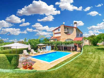 Photo for Apartment 810/1890 (Istria - Medulin), Romantic accommodation, 600m from the beach