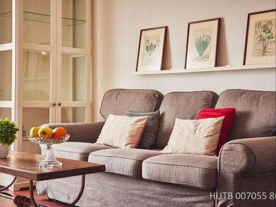 Photo for Augusta Comfort apartment in Eixample Esquerra with WiFi, air conditioning, balcony & lift.