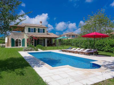 Photo for Stunning private villa for 8 guests with private pool, A/C, WIFI, TV, pets allowed and parking