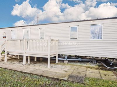 Photo for Caravan for hire by the beach at Manor park holiday park in Norfolk ref 23017