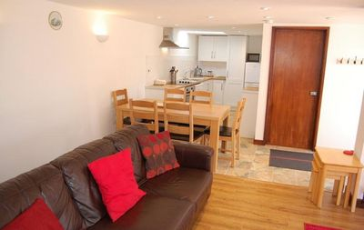 Photo for Anvil Cottage, sleeps 6 (3 bedrooms)