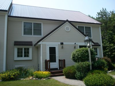 Photo for Townhouse condo,well appointed, pool & tennis courts, lovely mountian view, A/C
