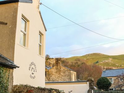 Photo for Roundabout Cottage, SETTLE