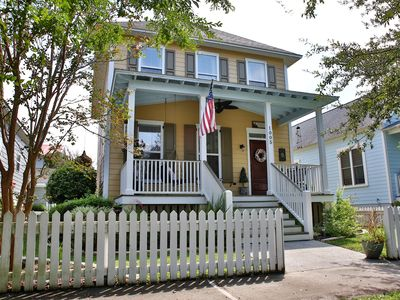 Photo for Cozy cottage sleeps 6- Close to PARRIS ISLAND, BEAUFORT AND BEACHES