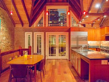 Your luxury NYC Home Away From Home / Gnome House
