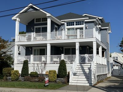 Photo for Pet Friendly Luxury Home! Near Beach, Dining, Shops and Entertainment!