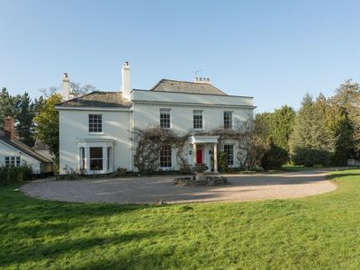 Photo for 6 bedroom accommodation in Rockbeare, near Exeter
