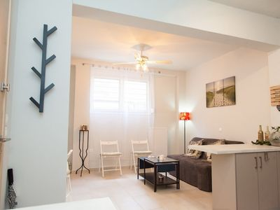Photo for Beautiful Cozy Apartment Athens DownTown