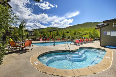 With the mountains comes luxury in the form of community amenities!