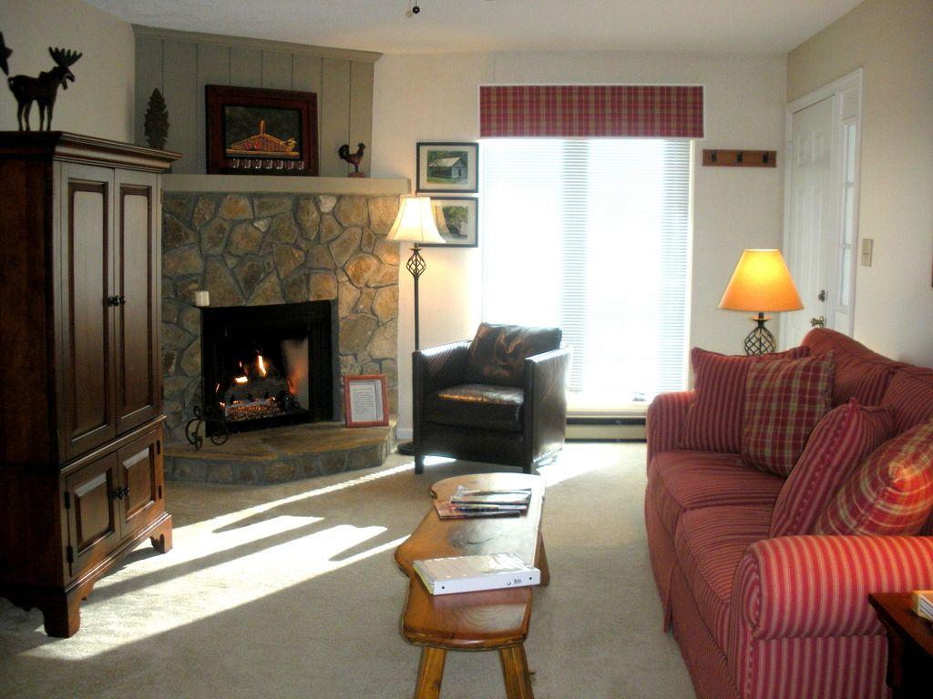 2 br 2 ba in town condo book now for christmas new homeaway