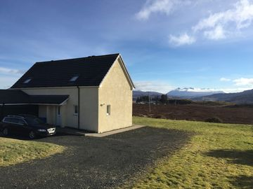Self Catering Accommodation, Portree,  Isle of Skye Panoramic Views of Cuillins