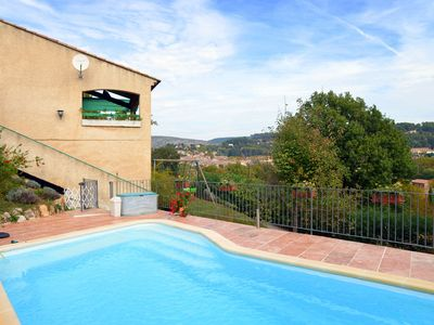 Photo for Comfortable gîte with swimming pool on the edge of the picturesque village of Salernes