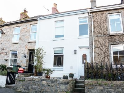 Photo for NO. 2 BELGRAVIA, pet friendly, with open fire in Penzance, Ref 974734