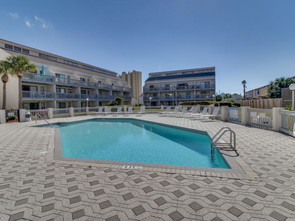 Oceanview Escape With Access To A Shared Pool Amp Hot Tubs