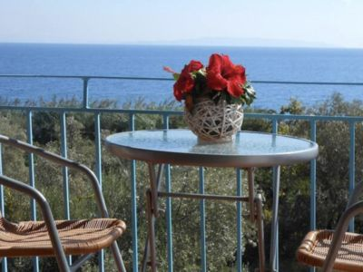 Photo for Spacious three bedroom with stunning sea view!