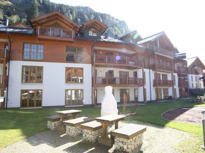 Photo for Spacious holiday home in luxury park in Rauris with swimming pool, sauna and jacuzzi.
