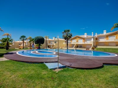 Photo for Superb 2 bedroom Duplex TownHouse with shared Pool 5 mins drive Vilamoura Marina