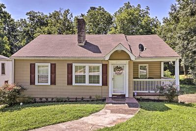 This 3-bedroom, 1-bathroom Atlanta vacation rental home sleeps 6!