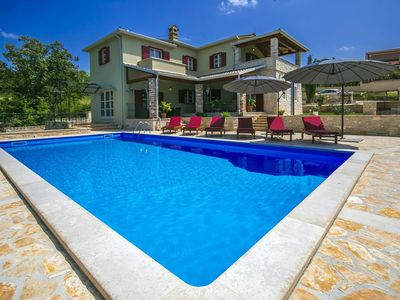 Photo for Beautiful villa with swimming pool, table tennis, beautiful view, Porec and beach 10 km