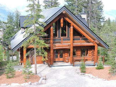 Photo for 4BR Chalet Vacation Rental in Golden, BC