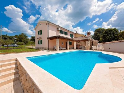 Photo for Holiday house Pican for 9 persons with 4 bedrooms - Holiday house