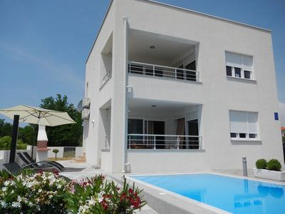 Photo for Apartment with pool and a beautiful view of the sea - Villa Le Mare