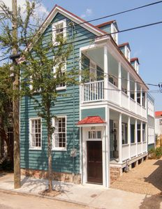 Experience Charleston like a local. Boutique restaurants and complete privacy.