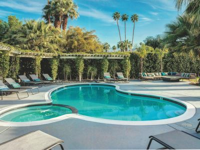 Photo for Twin Palms: Luxury 6-Bed/5-Bath, 1/2 acre, Heated Pool & Spa, Walk to El Paseo