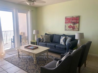 Photo for 8th Floor Spacious Gulf Front Rental W/ Resort Pool, Close To Dining