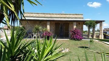 Search 828 holiday rentals
