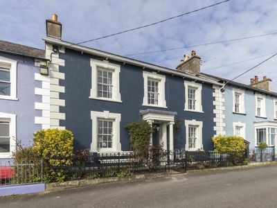 Photo for Quay View Townhouse - Four Bedroom House, Sleeps 8