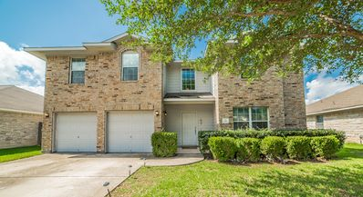 Photo for 6 Bedroom Family Home in Round Rock