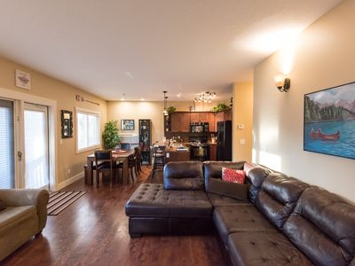 Photo for City Escape! Bright ground unit, 2bed 2bath, mtn view, wifi, family-friendly