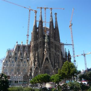 Photo for Offer of the month: Duplex with Pool near the Sagrada Familia for 8- FREE WIFI