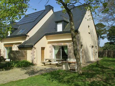 Photo for Comfortable semi-detached holiday home 700 m from the beach in Brittany