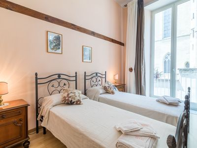 Photo for In the historic center, 1 bedroom, 1 living room with sofa and kitchenette, 1 bathroom