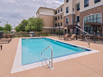 Photo for Suite with Air-Conditioning, Outdoor Pool Access, Free Breakfast + More!
