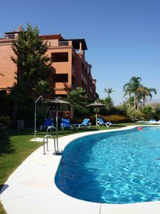Photo for Luxury apartment few steps from pool, minutes from sea / golf near Marbella