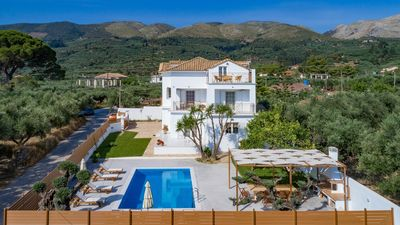 Photo for Villa Status, 4 bedroom vila with panoramic view and private pool,