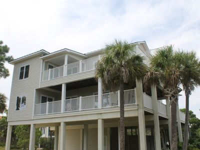 Photo for 5 Bedroom, Private Pool, Elevator, Easy Beach Access!