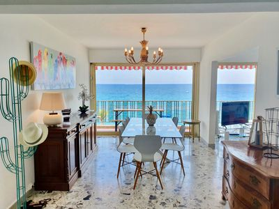 Photo for T4 seaside, 3rd floor, CLIM, 180 ° view, private pool, secure garage, Wifi.