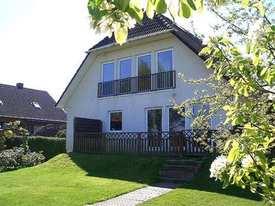 Photo for Holiday apartment Winsen (Luhe) for 4 - 6 persons with 2 bedrooms - Holiday apartment in a villa