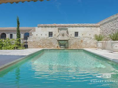 Photo for Mas de village, Swimming pool, Jacuzzi, 5 Bedrooms with bathroom, including 1 ground floor, Alpilles view
