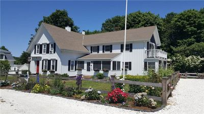 Lovely 4BD Antique in Wellfleet Center--Walk to Harbor & Mayo Beach