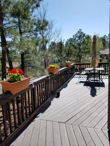 Hilside Haven In The Pines 2BR, 2 BA, Free WiFi, Sleeps 6