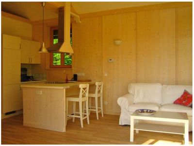 Photo for Romantic Cottage with Garden, Barbecue & TV; Parking Available, Pets Allowed