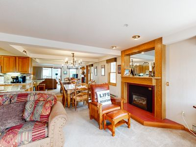 Photo for Perfect family retreat next to restaurants & gondola w/ shared pool & hot tubs